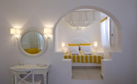 Aspalathras White Hotel Folegandros